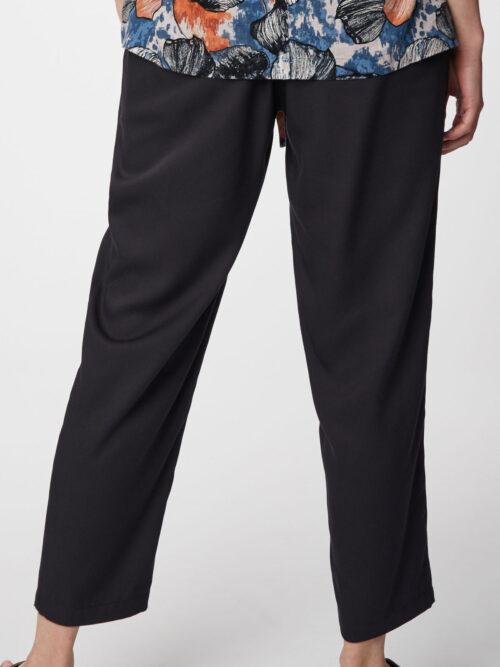 wsb4612-black-katie-bamboo-drawstring-womens-trousers-2